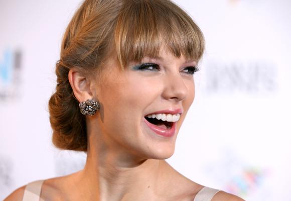 En Corea quieren la sonrisa eterna, como la de Taylor Swift