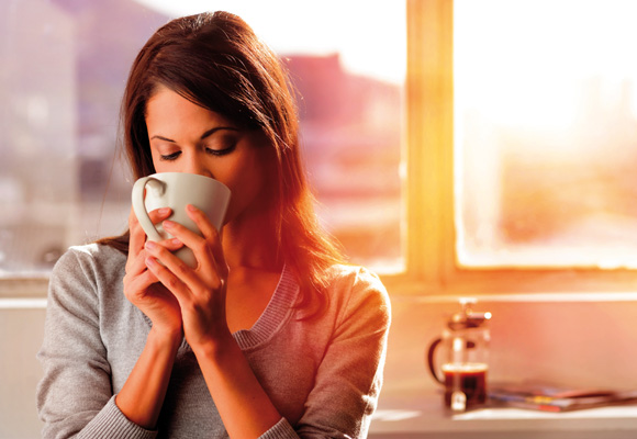 El café y el té pueden provocar manchas en los dientes