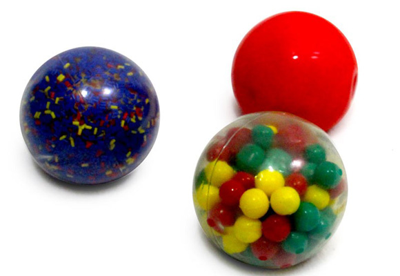 Tres tipos de bolas con diferentes pesos