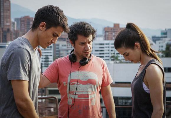 Álex González y Clara Lago durante el rodaje de 'Órbita 9'
