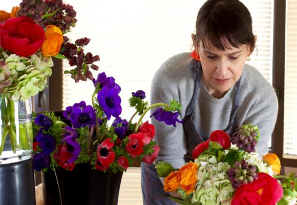 Dar clases de flores me encanta. No hay nada más gratificante que enseñar a diseñar y crear belleza