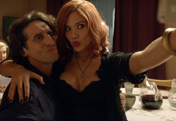 Peretti pone el toque internacional a la comedia