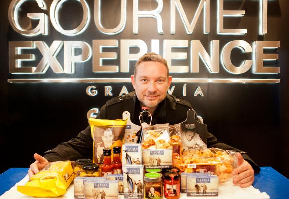 La línea de Albert Adrià comprende 15 productos de alta calidad para el picoteo TheLux