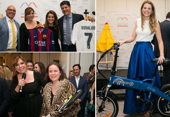 Durante la fiesta se sortearon dos camisetas firmadas por la plantilla del F.C. Barcelona y Cristiano Ronaldo, un capote de Enrique Ponce, una raqueta de Rafa Nadal y una bicicleta, entre otros