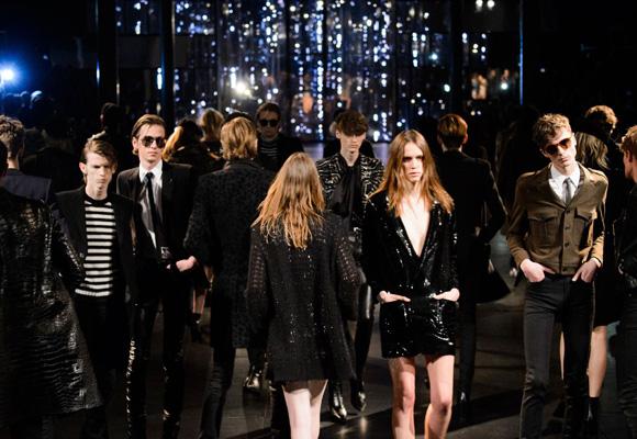 Grunge y años 90 se cuelan en la firma de lujo Saint Laurent