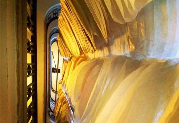 Una de sus instalaciones en las emblemáticas escaleras de caracol de la National Academy