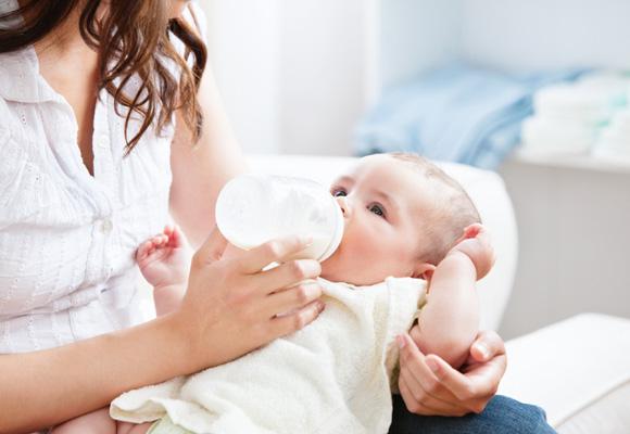 Dos de cada tres niños no son amamantados exclusivamente durante los primeros 6 meses