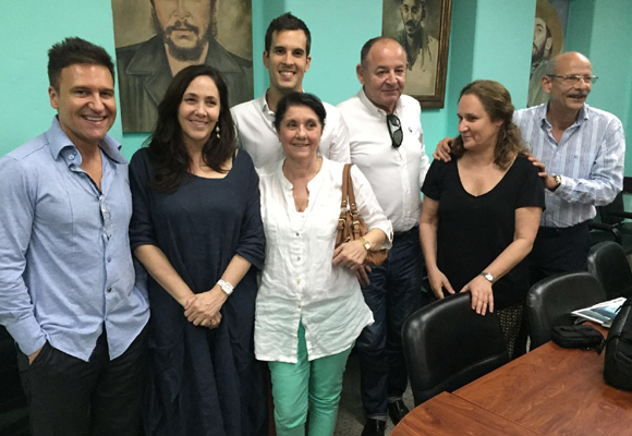 El equipo del doctor Mañero ha viajado a Cuba para crear la Unidad de Género