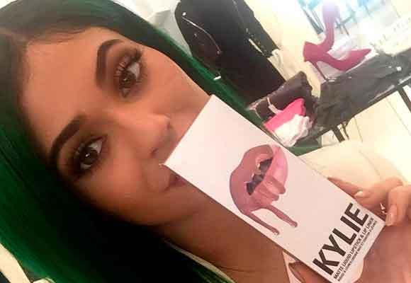 La línea de maquillaje de Kylie se agota cada 15 minutos