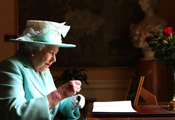 Isabel II tiene una cápsula del tiempo en Sidney