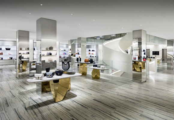 Barneys New York, cinco plantas destinadas la moda