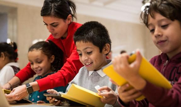NY invierte 30.000 millones de dólares en educación