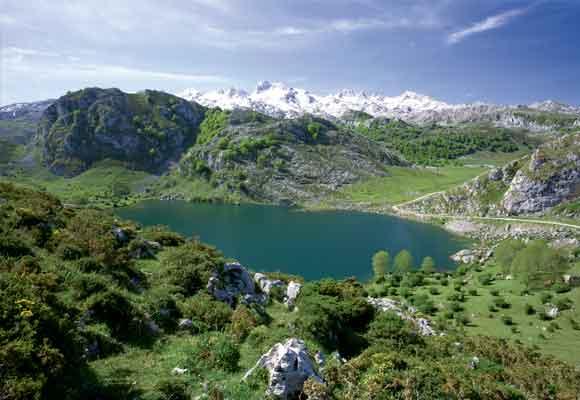 El lago Enol es espectacular