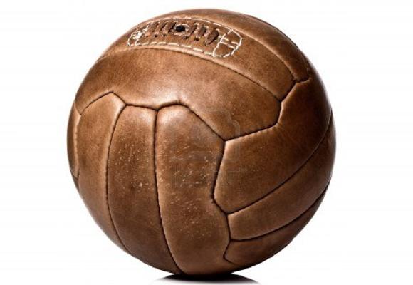 Poco queda ya de los primeros balones de fútbol