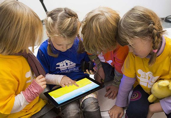 Compartir juegos y apps educativas con amigos es fundamental