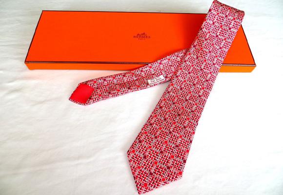Corbata de Hermés. Aquí puedes ver más