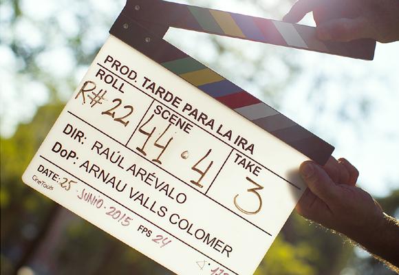 La prensa ha acogido entre aplausos la primera cinta de Raúl Arévalo