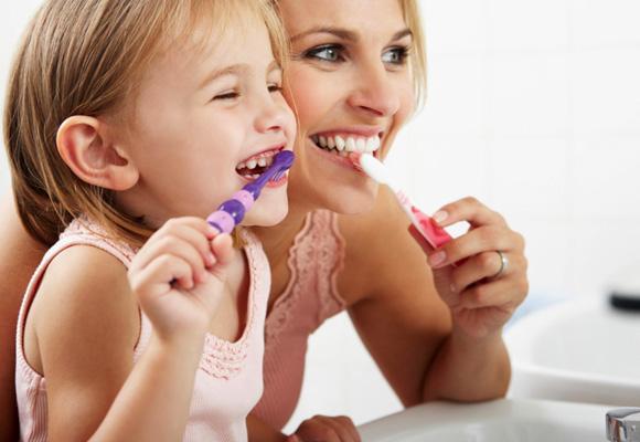 Enseña a los peques a tener una buena higiene dental desde niños