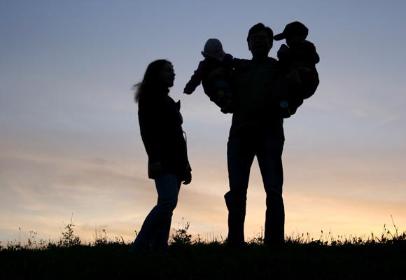 Muestra a tu hijo que la familia sigue unida pese a la adversidad