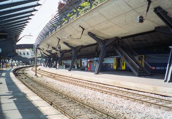 Plataforma de estación de tren de Calatrava
