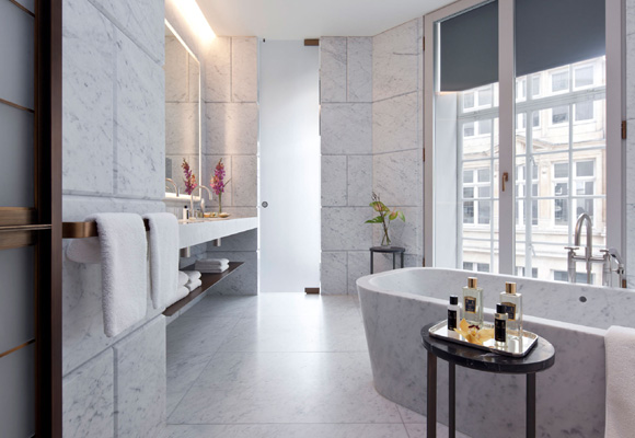 Baño en Hotel Cafe Royal