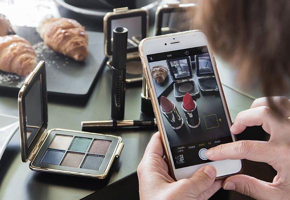 Maquillaje Estee Lauder en Cafe Clandestino