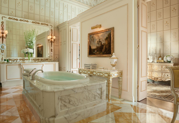 Baño en Hotel Four Seasons en Florencia