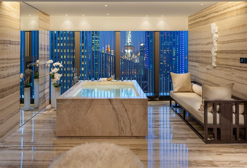 Los 10 ba os de hotel m s grandes del mundo the - Banos de hoteles de lujo ...