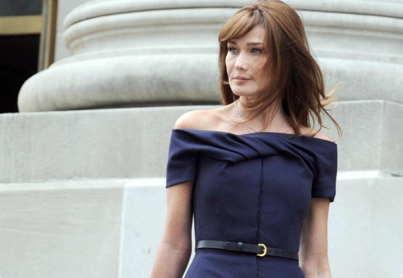 o-carla-bruni-first-lady-facebook