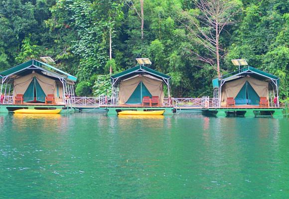 cabanas-flotantes-del-rainforest-camp-de-elephant-hills