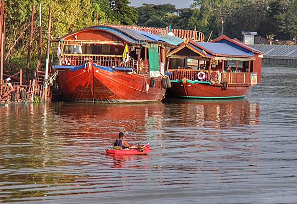 dormir-en-un-barco-arrocero-por-el-rio-de-ayyuthaya-es-otra-experiencia-inolvidable