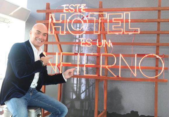Kike acaba de estrenar 'Este hotel es un infierno'