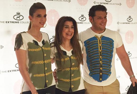 Fabulosas las camisetas de The Extreme Collection. En la foto posan con ellas Margarita Vargas, Eva Revuelta y Manu Tenorio