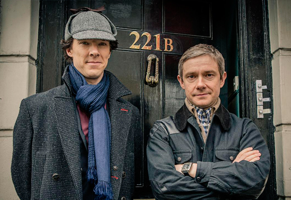 Carme está viendo la cuarta temporada de la serie Sherlock