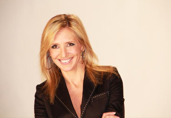 Hablamos con Marta Robles, autora de 'A menos de cinco centímetros'