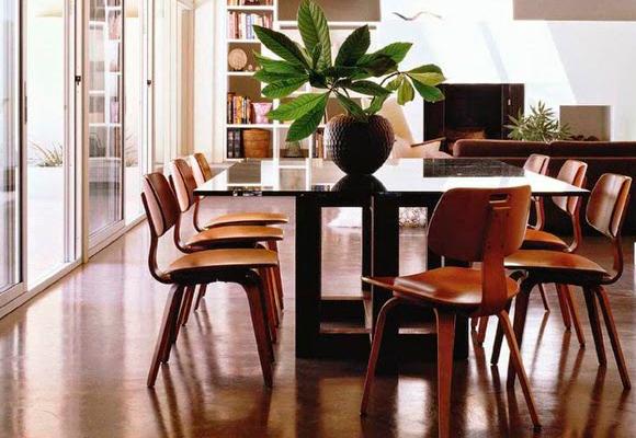 La silla Plywood encaja a la perfección como silla de lectura
